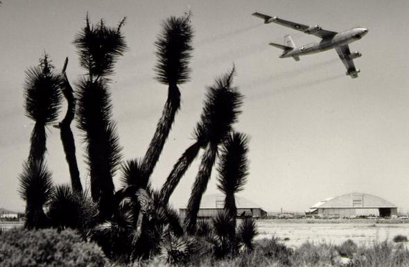 B47 ממריא מבסיס מדברי, צילום: USAF