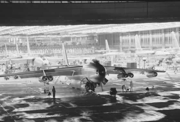 פס ייצור של B47. נבנו אלפי מפציצים, צילום: Boeing