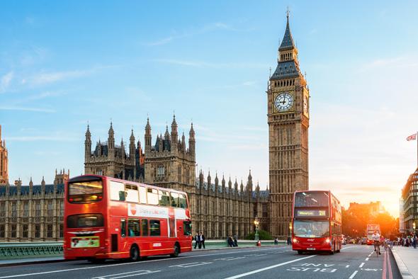 אוטובוס דו-קומתי בלונדון. בקרוב בישראל?