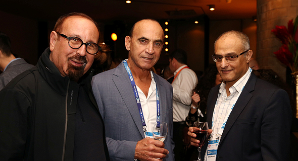 מימין דוד מימון, מיקי דיין ומני ויצמן, צילום: אוראל כהן