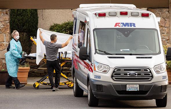 חולה קורונה בקירקלנד, וושינגטון, צילום: איי אף פי