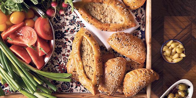 פזוקוב בלימון וגאטה מתוקה מהרובע הארמני