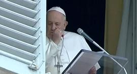 האפיפיור פרנציסקוס מצונן