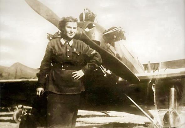 ליטביאק מול מטוס אימון