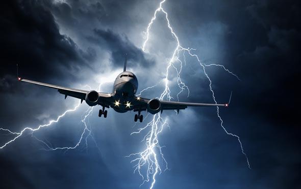 מערבולות אוויר וסערה באמצע הטיסה (אילוסטרציה)
