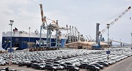 מכוניות ב נמל אילת צי רכבים יונדאי איוניק, צילום: יוסי דוס-סנטוס