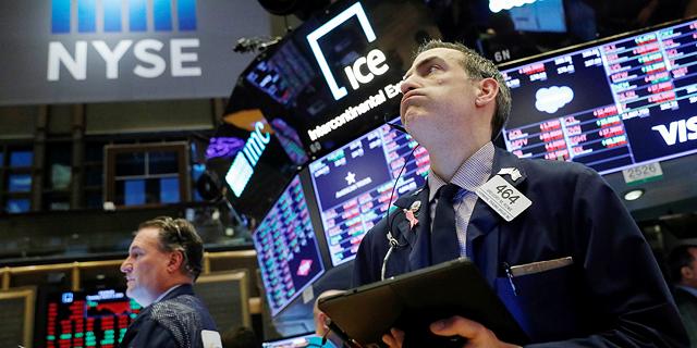 בורסות ניו יורק פתחו את החודש בצלילה; טסלה נפלה ב-10.3%