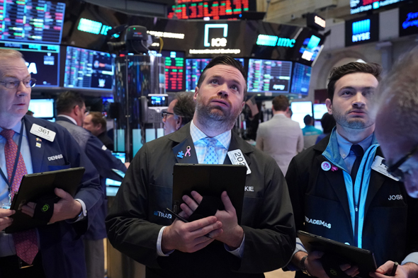 Wall Street crashes. Photo: Reuters