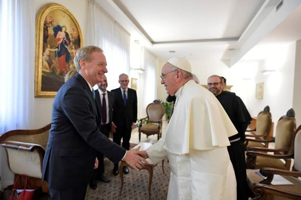 הפיפיור נפגש עם נשיא מיקרוסופט בראד סמית', צילום: Vatican News