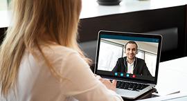 פגישה וידאו עבודה מהבית, צילום: שאטרסטוק