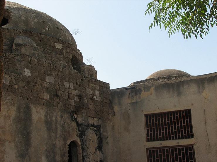 """מסגד """"סידנא סלמה"""" על פי המסורת על שם סלמה אבו האשם, צילום: ארגון """"זוכרות"""""""