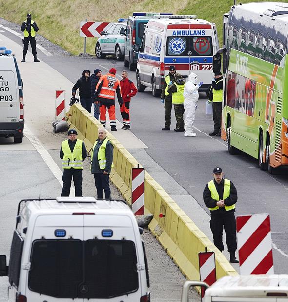 מעבר הגבול בין פולין לגרמניה בתחילת המשבר, צילום: בלומברג