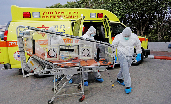 Corona paramedics in Israel. Photo: Shaul Golan