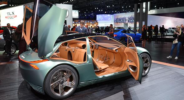 """רכב בתערוכת ניו יורק אשתקד. לדברי דוברת מרצדס, """"תעשיית הרכב העולמית עוברת שינוי, במיוחד בכל הקשור במעבר לדיגיטליזציה. הדבר ישנה את האופן שבו נציג את מוצרינו בעתיד"""""""