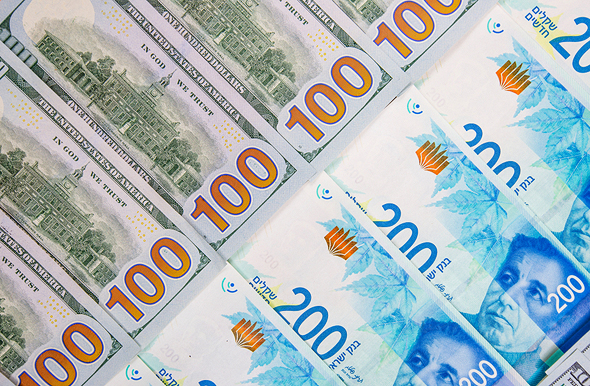 הדולר מתחזק מול השקל ובעולם