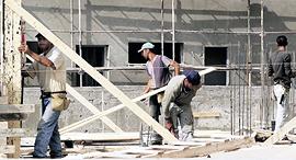 אתר בנייה פועלי בניין פלסטינים, צילום: צביקה טישלר
