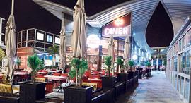 מסעדה סגורה בתחילת משבר הקורונה, צילום: הרצל יוסף