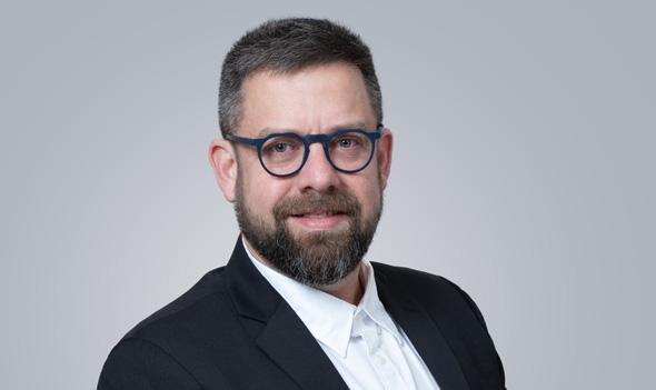 """מנכ""""ל חלל תקשורת דן זיצ'ק"""