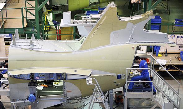 מפעל ייצור של איירבוס ב צרפת, צילום: בלומברג