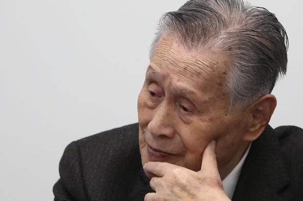 נשיא האולימפיאדה בטוקיו, Yoshiro Mori, במסיבת עיתונאים