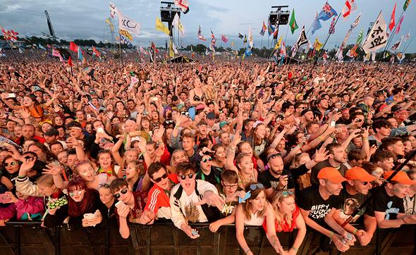 אלפים בפסטיבל גלסטונברי