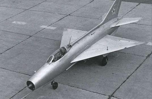 אב הטיפוס הראשון של המטוס שהיה בעל כנף דלתא
