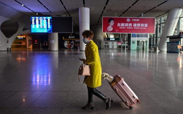 תחנת רכבת בווהאן, סין