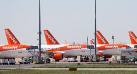 מטוסים איזיג'ט מקורקעים נמל תעופה שארל דה גול פריז קורונה, צילום: רויטרס
