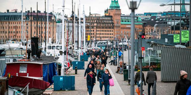 טיילת בשטוקהולם שבדיה 28.3.20, צילום: איי אף פי