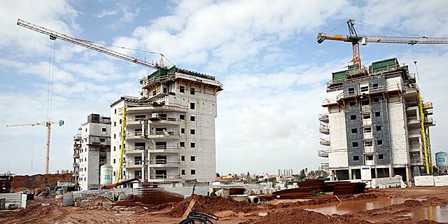 """הקמת בנייני מגורים בראשל""""צ, צילום: ענר גרין"""