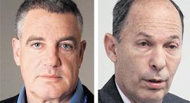 מימין: מנהל קרן אלומה אורי יוגב ובעל השליטה ב־OPC עידן עופר , צילומים: אוהד צויגנברג , בלומברג