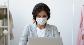 A worker wearing a mask (illustration). Photo: Shutterstock