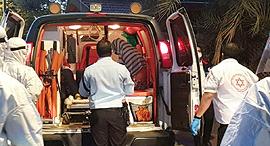 פינוי חולה קורונה באילת, צילום: דוברות עיריית אילת