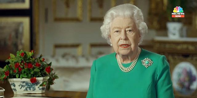 בריטניה: המלכה הודתה לציבור, ג'ונסון פונה לבית חולים