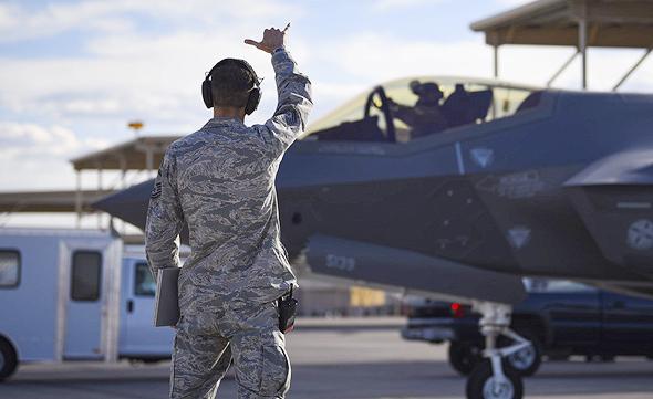 היתרון: מטוסים בעלי בלאי מופחת, שמתאימים ליותר לקוחות, צילום: USAF