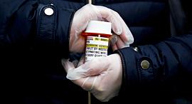 קורונה תרופה הידרוקסיכלורוקווין משמשת בדרך כלל נגד מלריה , צילום: LINDSEY WASSON