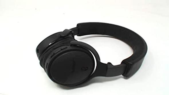 דגם ה-Soundlink On-Ear של Bose. דגם משלים ל-QC 35 היוקרתיות. מיועד יותר לחובבי סאונד איכותי ואודיופילים ומעוצבות, צילום: BOSE
