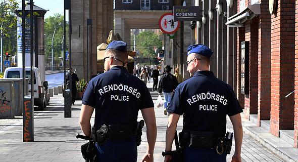 שוטרים בזמן הסגר בברלין