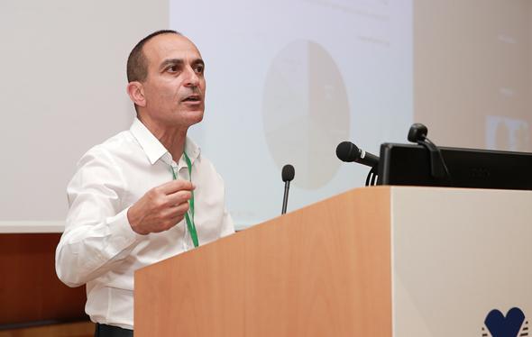 פרופסור רוני גמזו