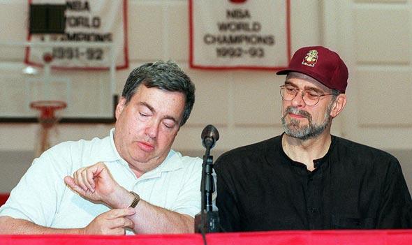 מימין: פיל ג'קסון וג'רי קראוס שיקגו בולס, צילום: אם סי טי