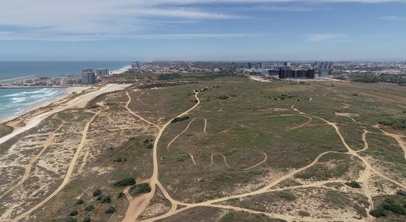 """חוף התכלת. """"מהפרויקטים היחידים בישראל בהם מתוכננת בנייה בקרבה לקו המים"""""""