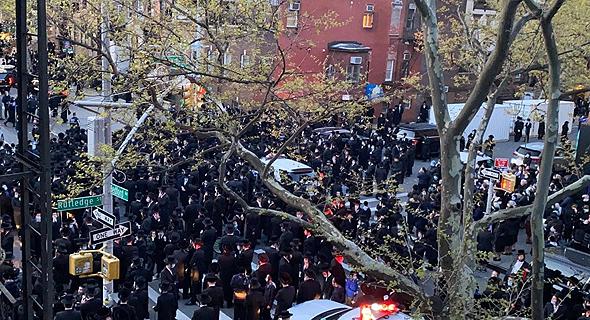 הלוויה בוויליאמסבורג, רובע ברוקלין, ניו יורק, צילום: twitter@ReuvenBlau