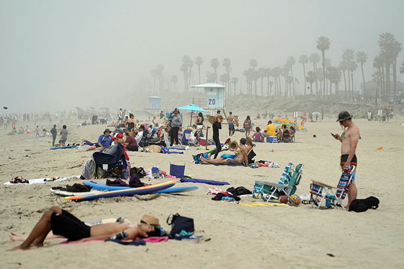 חוף היום הנטינגטון סיטי, קליפורניה, השבוע