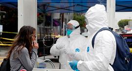 בדיקות קורונה בלוס אנג'לס, צילום: איי פי