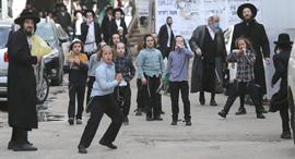 קורונה שכונת מאה שערים ירושלים חרדים, צילום: אלכס קולומויסקי