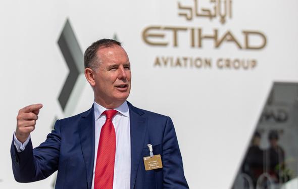 """טוני דאגלס, מנכ""""ל חברת התעופה איתיחאד"""
