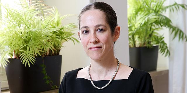 שירה גרינברג, הכלכלנית הראשית במשרד אוצר , צילום: אלכס קולומויסקי