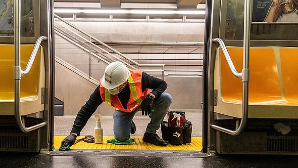 חיטוי רכבת תחתית בניו יורק