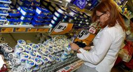 סימון מחירים אקדח מחירים קניות סופרמרקט רשתות השיווק, צילום: ייריב כץ