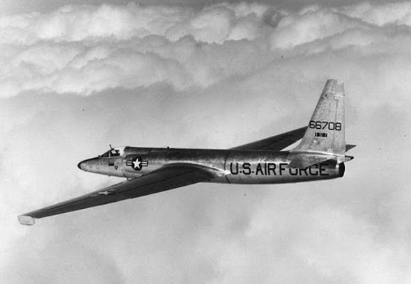 גובה רב אינו מספיק. מטוס הביון U2 באוויר, צילום: Lockheed Martin